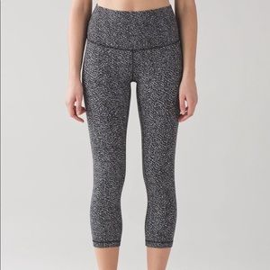 Lululemon athletica wunder Crop legging - size 4